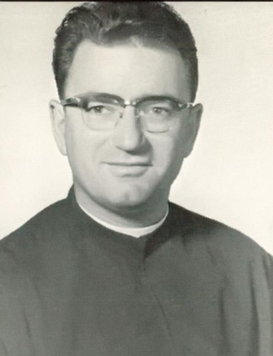 Obituaries - St  Ignatius College Prep